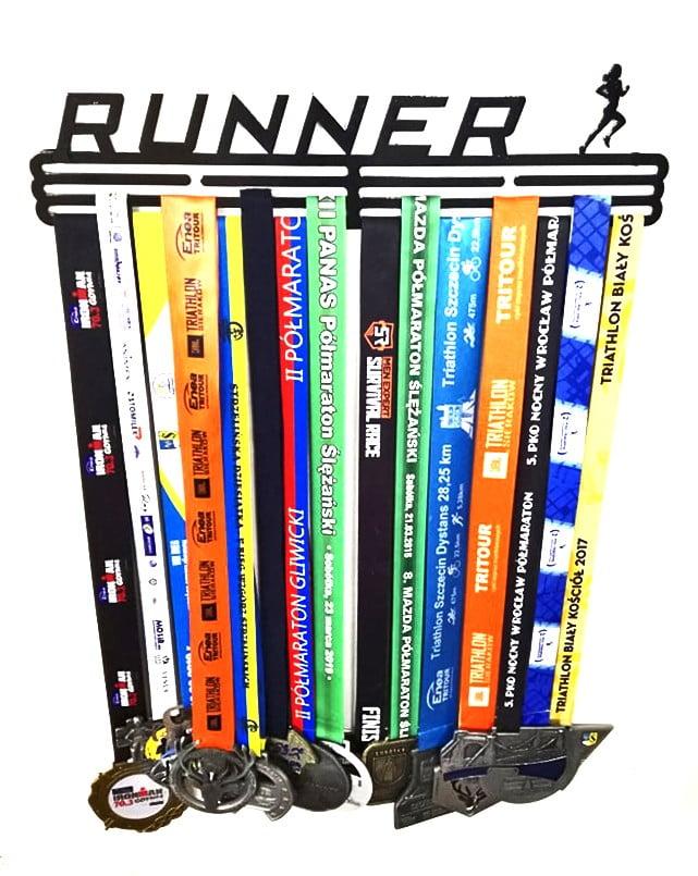 Wieszak na medale Runner biegnący mężczyzna