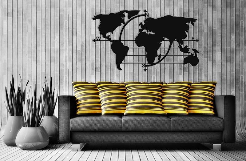 Metalowa mapa świata z kierunkami świata
